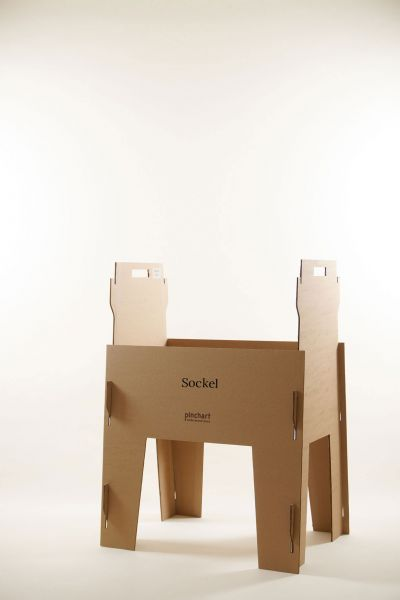 Sockel für Pinchart Pappe